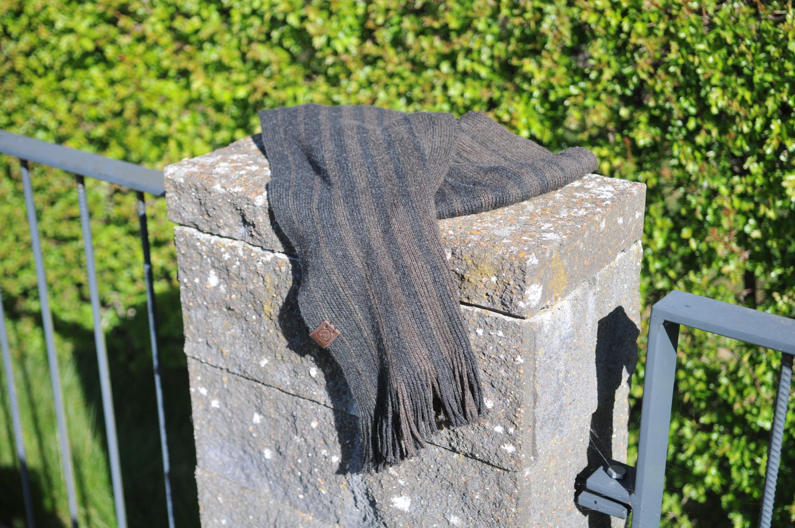 Image of   Herre halstørklæde i lækker blød strik Bern - fra Wellensteyn
